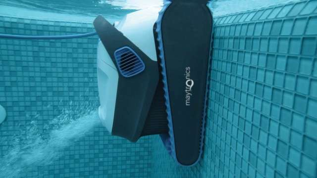 Dolphin S200 Automatic Robot Cleaner for Swimming Pools (Walls and Flo