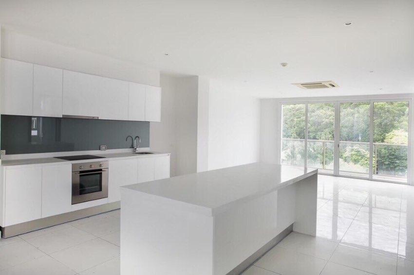 2 Bedrooms Condo For Sale in Pratumnak Pattaya Located