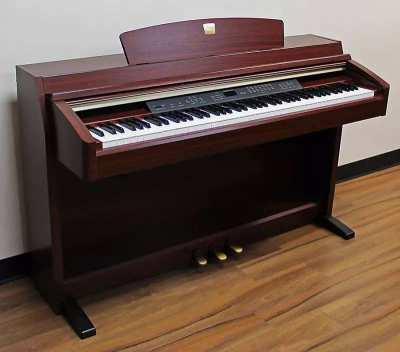 Yamaha Clavinova Piano CLP-240