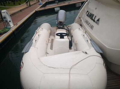 Tender Ribeye 3.7m Honda 4 Stroke 20hp Power Tilt Center Console.