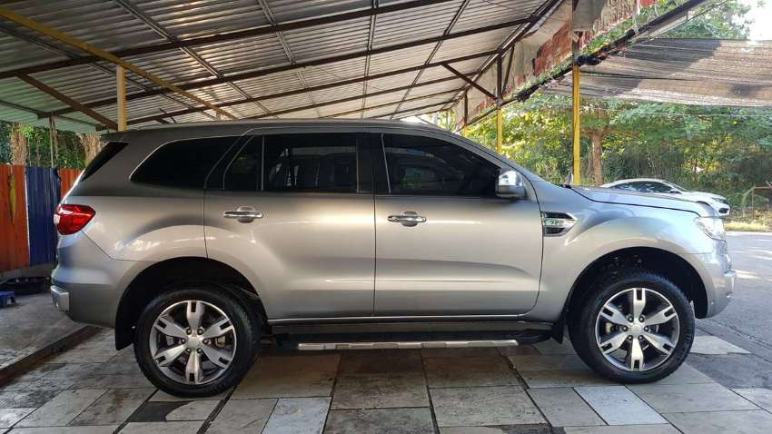 FORD EVEREST TITANIUM 4WD - YEAR 2018 – FULL OPTIONAL – ONLY 24.000 KM