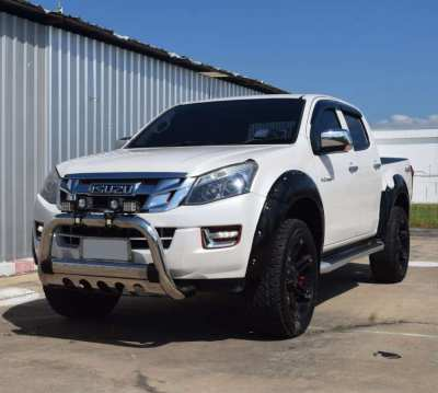 ISUZU D-Max 3.0 V-Cross Z-Prestige 4WD Full Option
