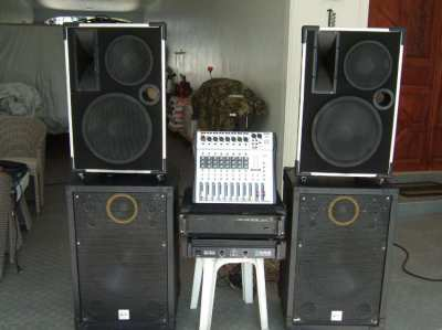 STAGE EQUIPMENT, inkl.2 power amp.