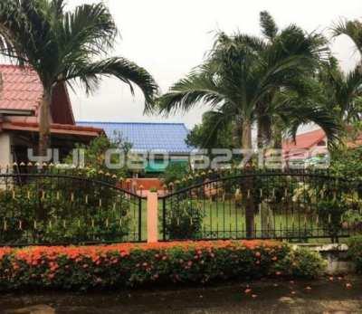 Big landscape garden House for Sale North Pattaya,soi.Naklua 12.