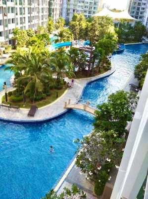 Dusit Grand Park - pool view