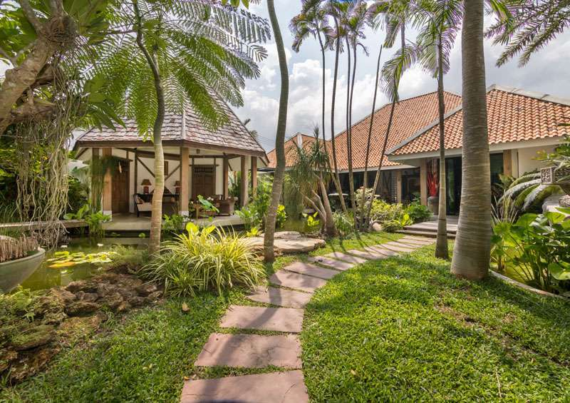 An estate of exceptional beauty plus guesthouse, on 2.000 m2, Huai Yai
