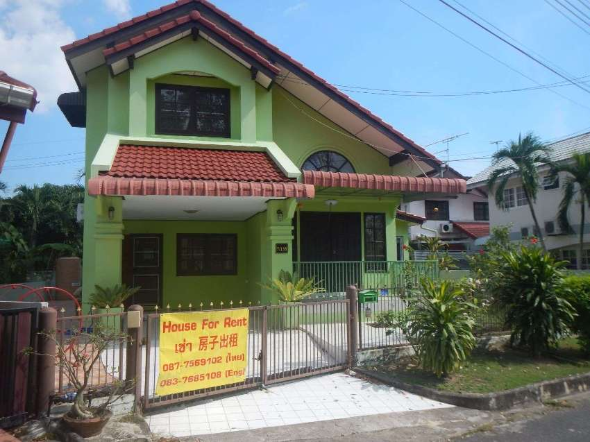 Three bedroom 2- storey house for rent in Sintavee Park, Ban Chang