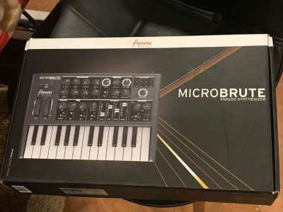 Arturia MicroBrute in excellent condition in original box