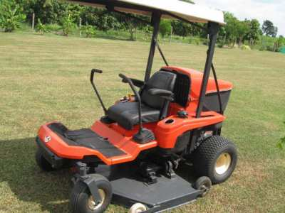 KUBOTA ZERO TURN GRASS CUTTER-GZD15.