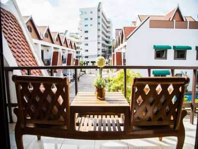 HR1011  Four Bed Townhouse For Rent in Pratamnak