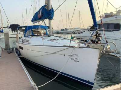 Jeanneau 44i PERFORMANCE SAILING IN COMPLETE LUXURY