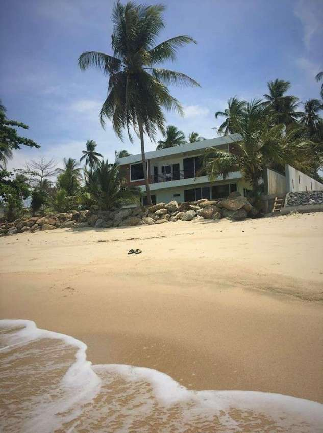 Dream Home with Absolute Beach Front
