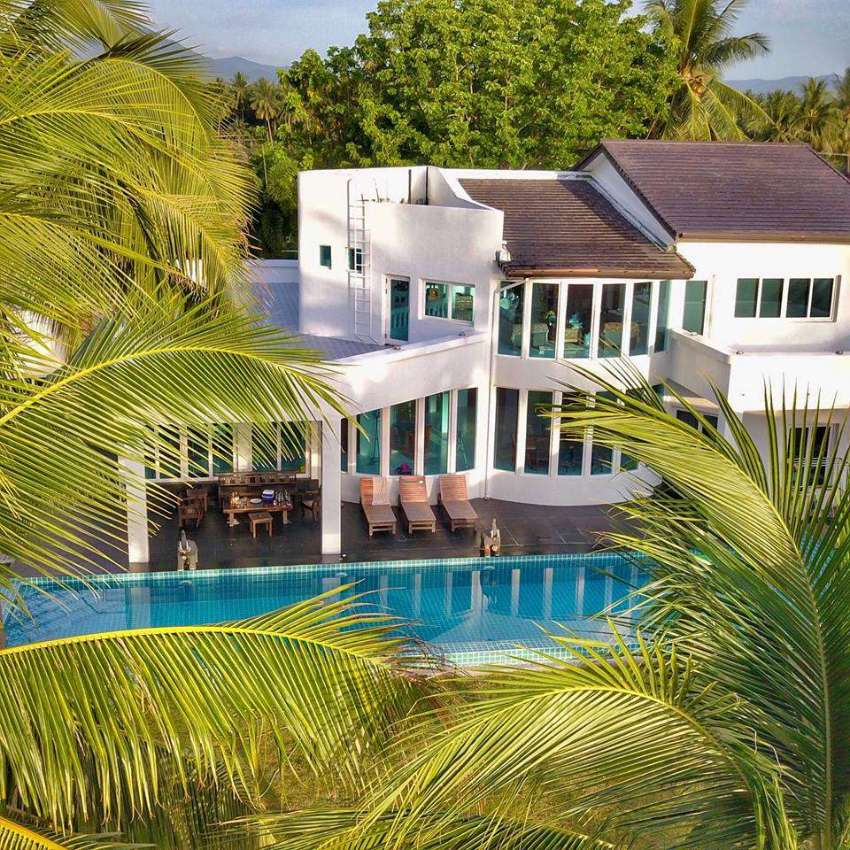 Absolute Beachfront House for Sale