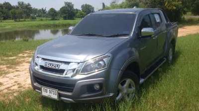 All New Isuzu - Just 44.000km - very clean - Top Model