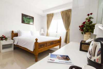 51 Rooms Great location Hotel with Pool