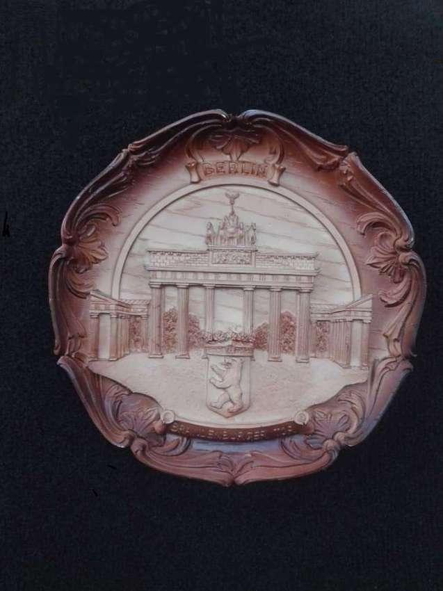 Berlin Wall Plaque Plate Brandenburger