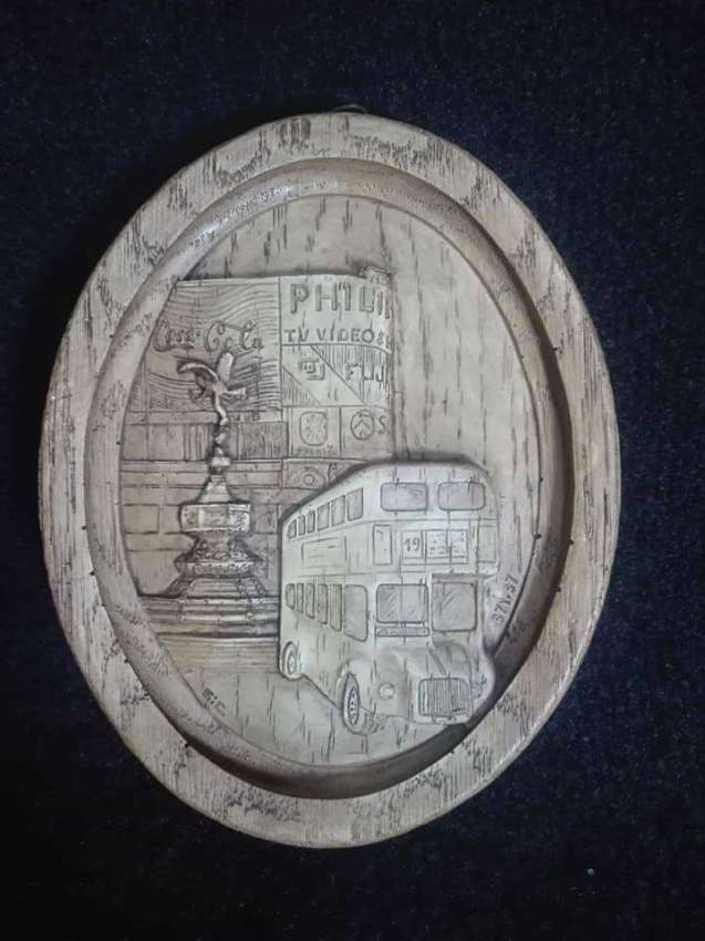 Vintage wall plaque plate
