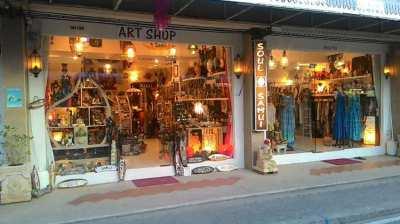 Lamai Sunday Market Souvenir shops for sale.