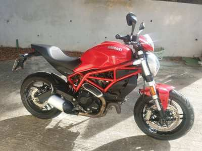 Ducati Monster 797  2017 red