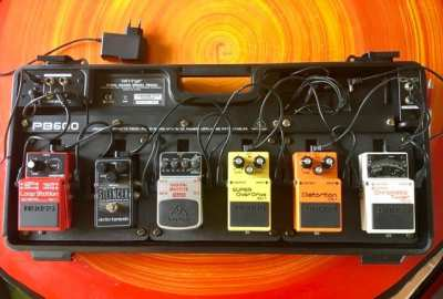 Behringer Pedalboard PB 600, fully equiped