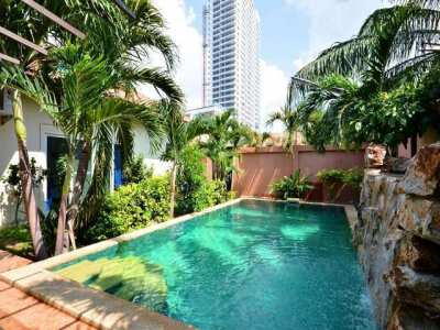HR1222  Four Bed House For rent in Pratamnak