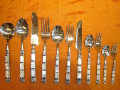 Cutlery with mother of pearl 1 piece is 580 baht