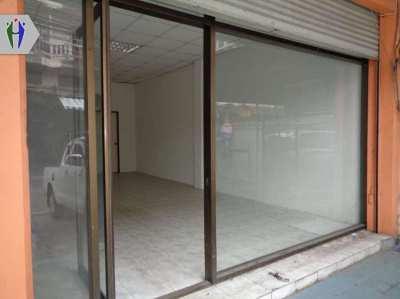 Commercial buildings for rent Community Zone Close to Sukhumvit Road,