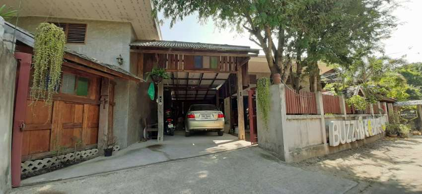 House for rent in great setting in Nam Phrae, Hang Dong , Chiang Mai