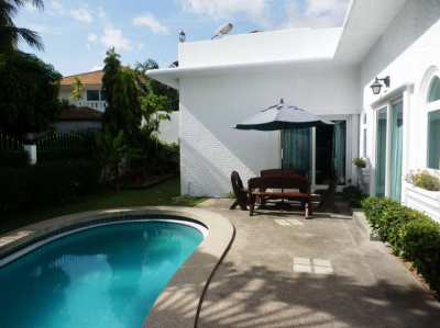 Dream Villa for sale East Pattaya Located in a Secured Village /