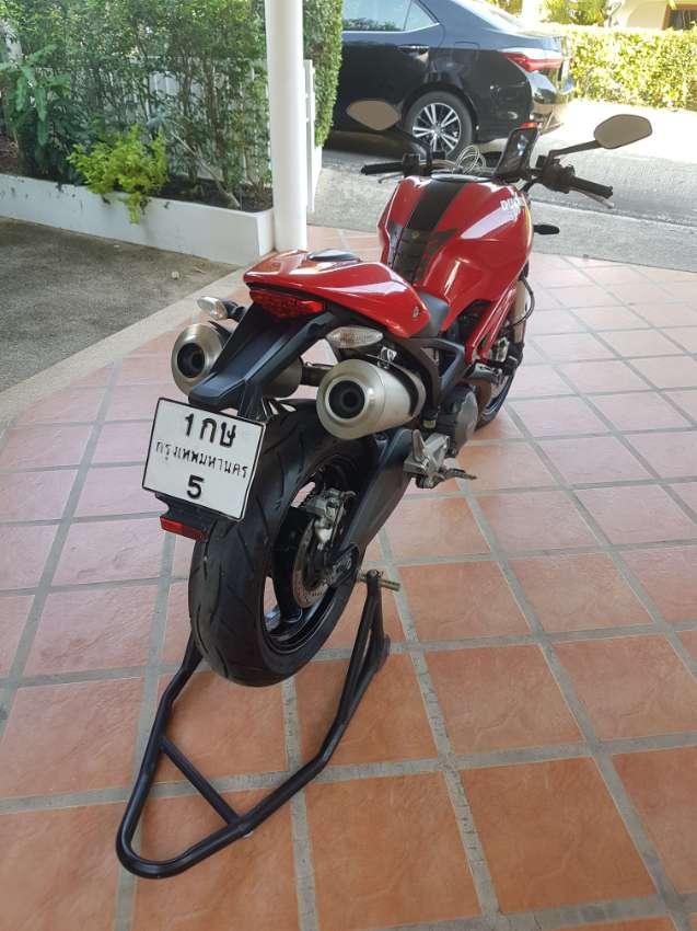 Ducati 795 Monster