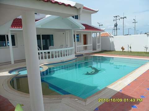 Large 3 Bedroom House with Private Pool for Sale