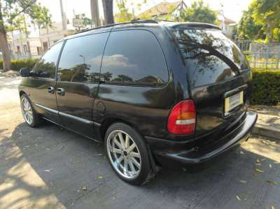 CHEAPEST EVER 59k ONLY 7 Seater luxery Minivan