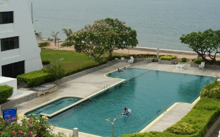 Private Beach Front 4 Story 365 sqm Beach House For Sale - Jomtien