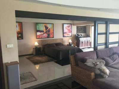 Sea view Hi flor 2 bed appartment 160 sqw.m in first line