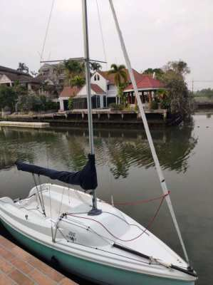 2005 Sailboat Hunter 216