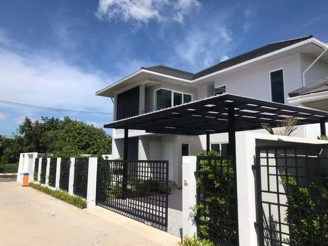 HR1389 Nong Pla Lai House , 4 bedroom  For Rent