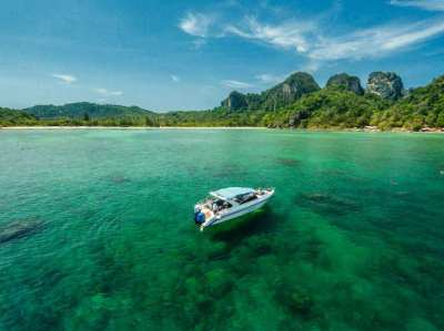 Private Boat Hire in Phuket  by OFFSPRAY LEISURE CO. LTD.,