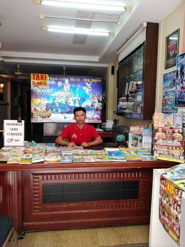6 room guesthouse with travel & bike shop in the famous Soi Dr Wattana