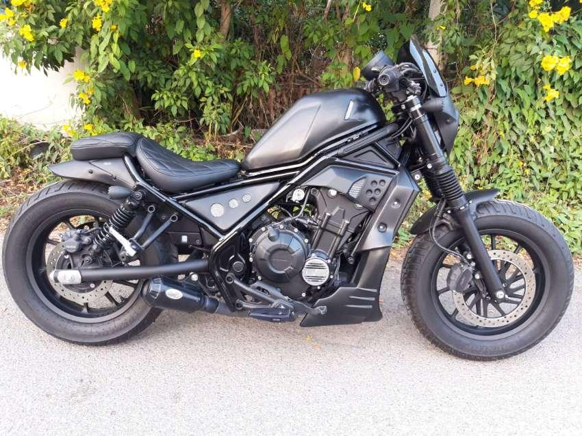 Honda Rebel 500 full custom 425km !!!