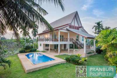 *REDUCED* 2 level 4 bedroom pool villa near beach and overlooking lake
