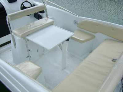 20' Aquamarine Power boat, cuddy cabin