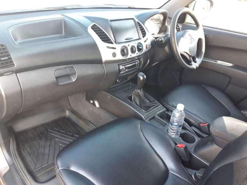 Mitsubishi Triton 2013 ( 1 st hand )
