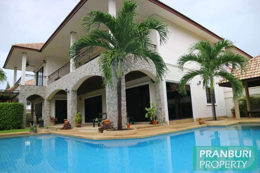 *REDUCED* Large house in south central Hua Hin, massive terraraces