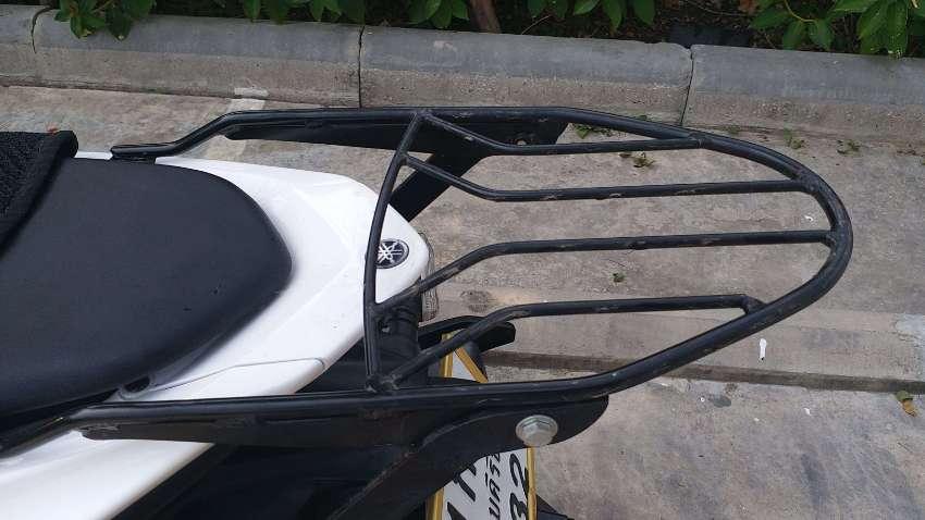 Aerox top box rack and YSS shocks for sale