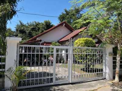 HOUSES FOR SALE BOPHUT