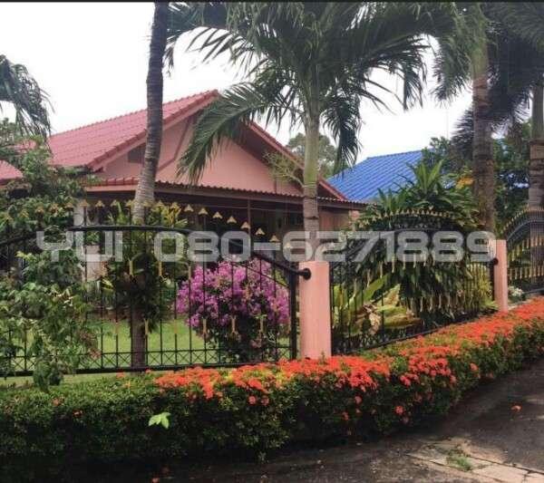 Big landscape garden House for Sale North Pattaya,soi.Naklua 12. Close