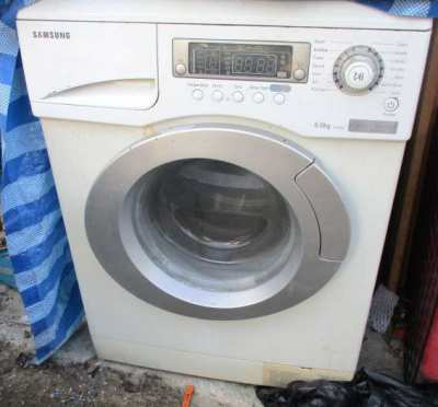 Unwanted Items for sale. TV/Washer/Gas Stove/Welder