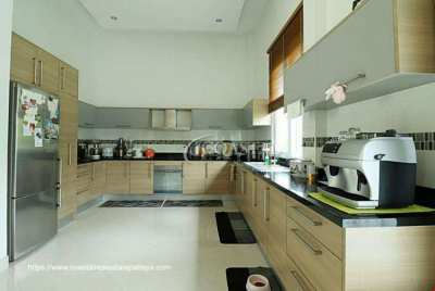 Gorgeous Home for Sale in Huay Yai