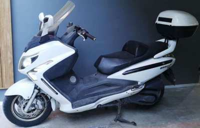 Maxi-scooter SYM GTS300i - both reliable and affordable