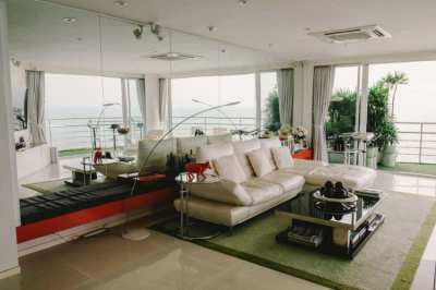 Pratumnak 235 Sqm Luxurious Beachfront Penthouse Sale